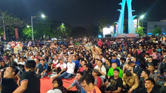Ganjar Pranowo Ikut Nobar Final di Piala Dunia 2018 di Jalan Pahlawan Semarang
