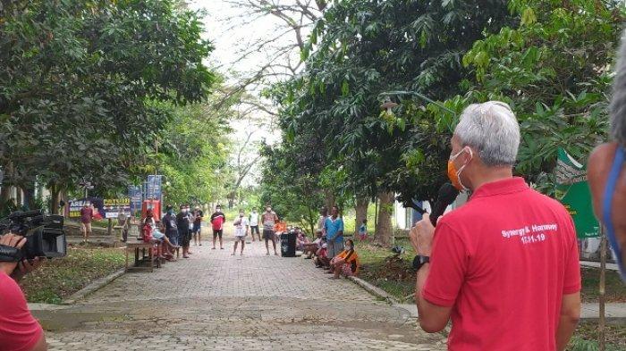 Gubernur Jawa Tengah, Ganjar Pranowo mengunjungi Tempat Isolasi Terpusat Covid-19 di Technopark Sragen, Sabtu (12/6/2021).