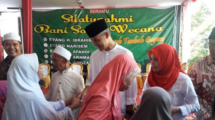 Ganjar Pranowo Berkunjung ke Keluarga Besar Siti Atikoh di Purbalingga