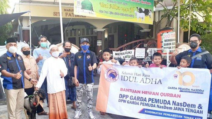 Dukung Program PSP Berderma, Garda Pemuda Nasdem Jateng Donor Plasma dan Serahkan Hewan Kurban