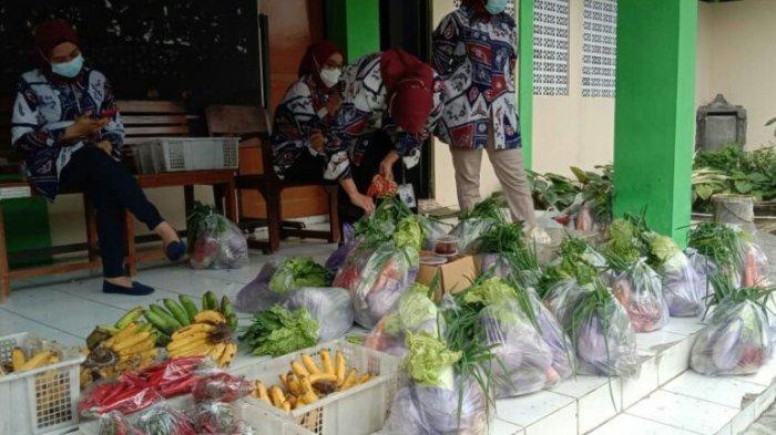 Gerakan Peduli Pedagang di Kabupaten Tegal Terus Digalang, Ratusan Paket Sayur Disediakan Tiap Hari