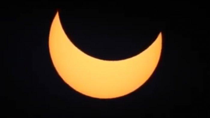 Video Detik-detik Gerhana Matahari Cincin di Indonesia, Live Streaming Youtube BMKG