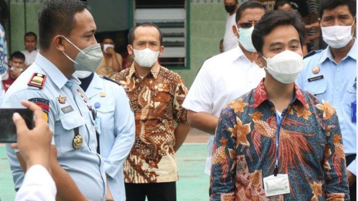 Wali Kota Solo, Gibran Rakabuming Raka ketika kunjungan kerja di Rutan Klas 1A Solo, Selasa (9/3/2021).