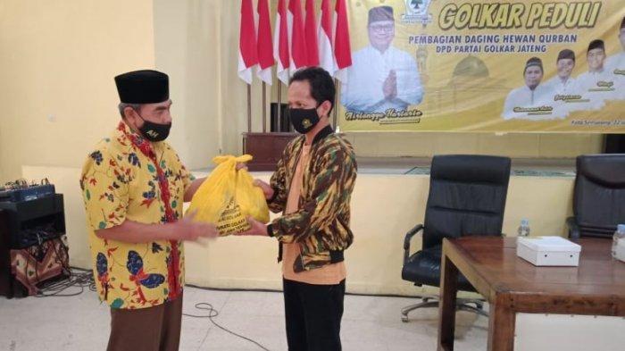 Golkar Jawa Tengah Gelar Golkar Peduli Bagikan 1.050 Paket Daging Kurban