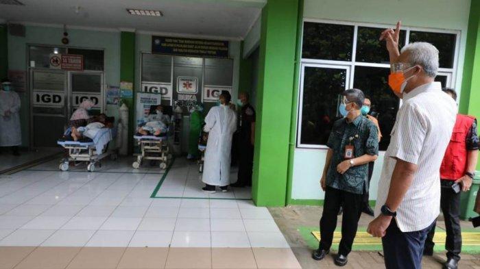 Sidak RSUD Kartini Jepara, Ganjar Dapati Pasien Covid-19 Terlantar di Depan IGD