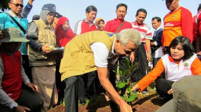 Gubernur Ganjar : Tanam Pohon Sebanyaknya dan Rawat Seluruh Mata Air yang Ada
