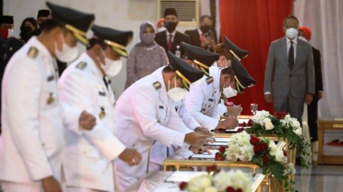 Lantik 17 Bupati dan Wali Kota, Gubernur Jateng Ganjar Pranowo Kutip Pesan Bung Karno