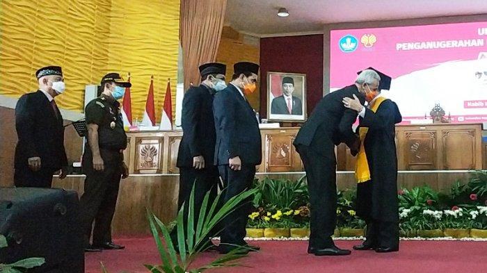 Kesan Presiden Jokowi tentang Habib Lutfi yang Baru Saja Mendapat Gelar Doktor Kehormatan HC Unnes