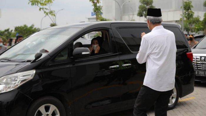 Sambut Jenazah Habib Ja'far di Semarang, Ganjar Minta Masyarakat Tak Berkerumun Saat Pemakaman
