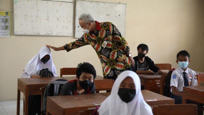 Ganjar Geleng-geleng Lihat Murid SDN di Klaten Tak Pakai Masker: Gurunya Belum Dijelaskan