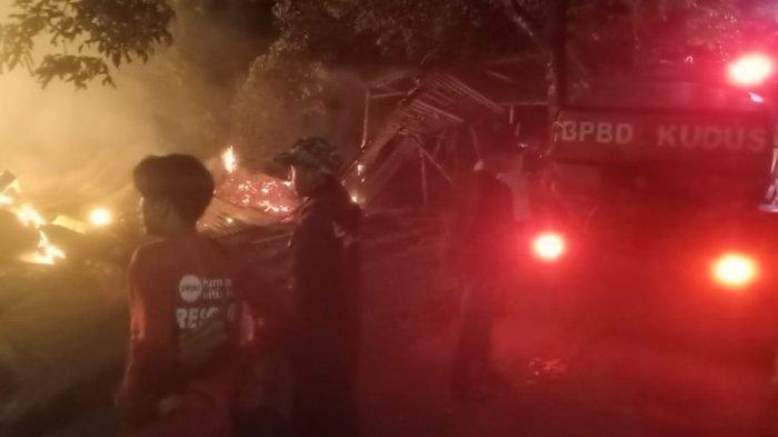 Gudang Kapuk di Kudus Ludes Terbakar, Diduga karena Anak Kecil Main Petasan