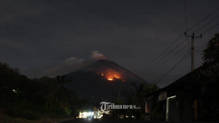 Dini Hari tadi Gunung Agung Erupsi Lagi