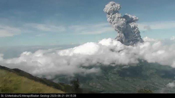 Video Detik-detik Gunung Merapi Erupsi, Tinggi Kolong Mencapai 6 Kilometer