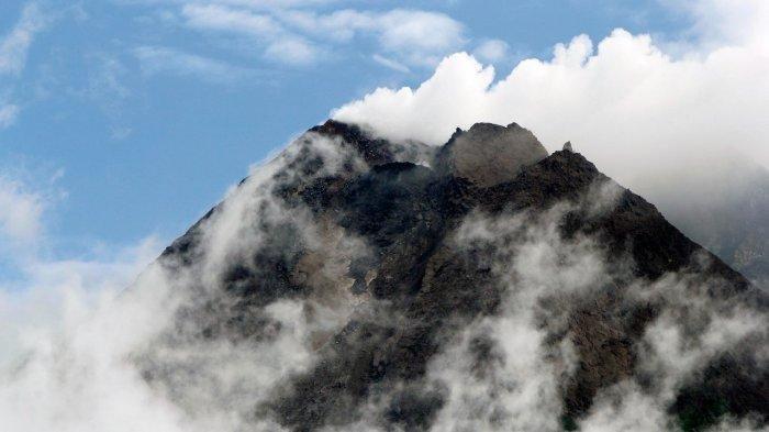 Pagi Ini Gunung Merapi Semburkan Dua Kali Awan Panas dalam Satu Jam