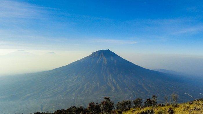 Seluruh Jalur Pendakian Gunung Sindoro Sumbing Prau Wonosobo Ditutup Mulai 24 Agustus Tribun Jateng
