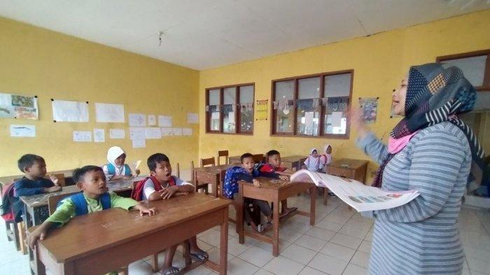 Nasib Guru Honorer di Tengah Peningkatan Dana Pendidikan: Saya Dibayar 600 Ribu Sebulan, Itu Mending