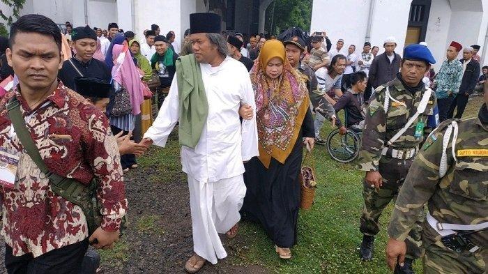 Cerita Gus Muwafiq Kerjai Wartawan Di Ponpes Al Muayyad Solo Tiba Tiba Muncul Di Panggung Tribun Jateng