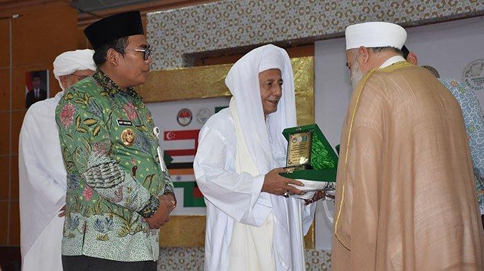 Klarifikasi Ustad Maheer Soal Singgung Habib Lutfi hingga Perseteruan dengan Nikita Mirzani