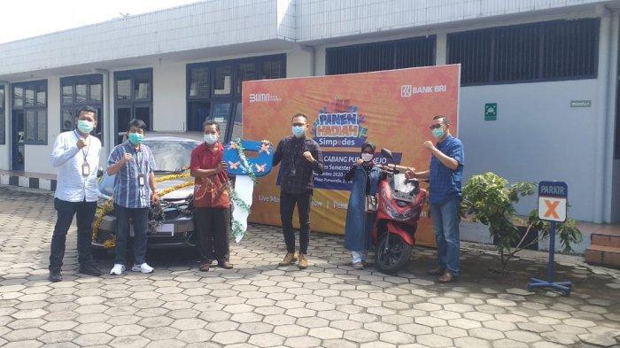 BRI Cabang Purworejo Serahkan Mobil ke Nasabah Pemenang Panen Hadiah Simpedes Periode II 2020