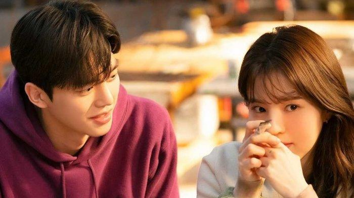Tim Produksi Drakor Nevertheless Ungkap Kelakuan Song Kang dan Han So Hee di Lokasi Syuting