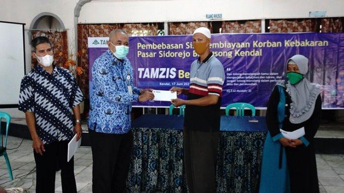 Akhirnya Pedagang Pasar Srogo Korban Kebakaran Bisa Bernafas Lega, KSPPS Bebaskan Utang Rp 91 juta
