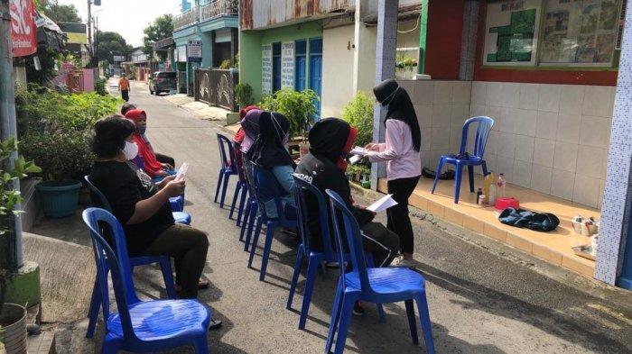 Limbah Air Cucian Beras Jadi Pupuk Organik Cair Kreasi Mahasiswa KKN Undip
