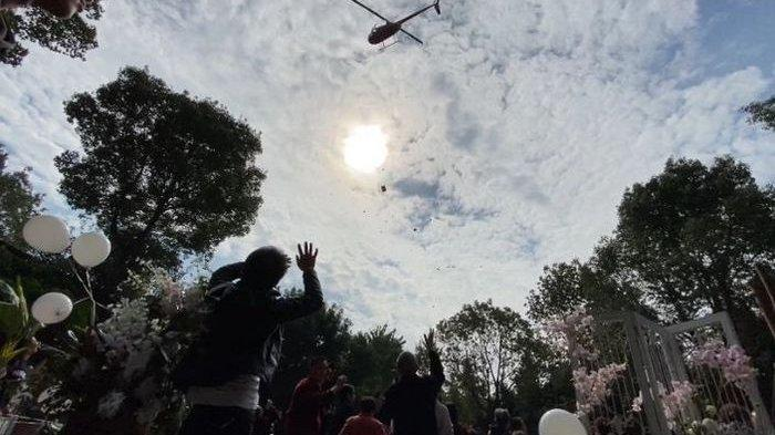 Kemunculan Helikopter Ini Bikin Riuh Pesta Pernikahan, Tamu Makin Terkejut Akibat Taburkan Ini