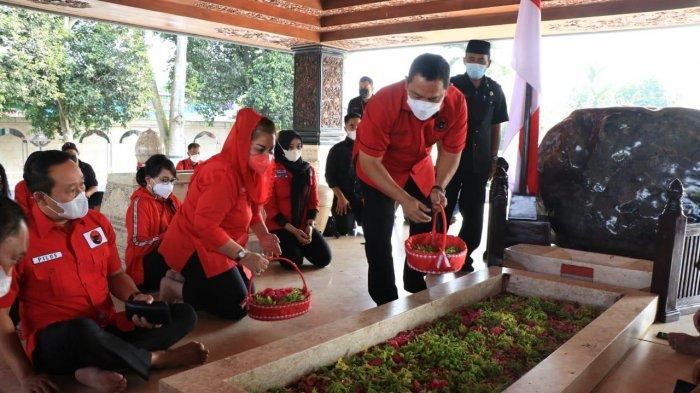 DPC PDIP Kota Semarang Nyekar Makam Bung Karno, Hendi Serukan Kekompakan