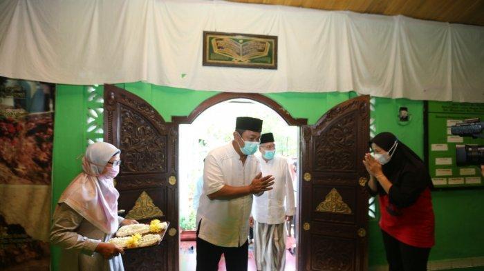 Sehari Jelang Ramadan, Hendi Ziarah ke Makam Alim Ulama di Kota Semarang