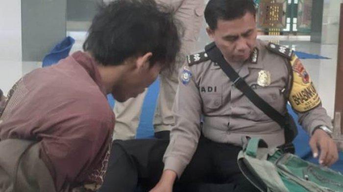 Gagal Curi Uang Kotak Amal, Pria Ini Pilih Tidur di Masjid, Terekam CCTV lalu Ditangkap Petugas