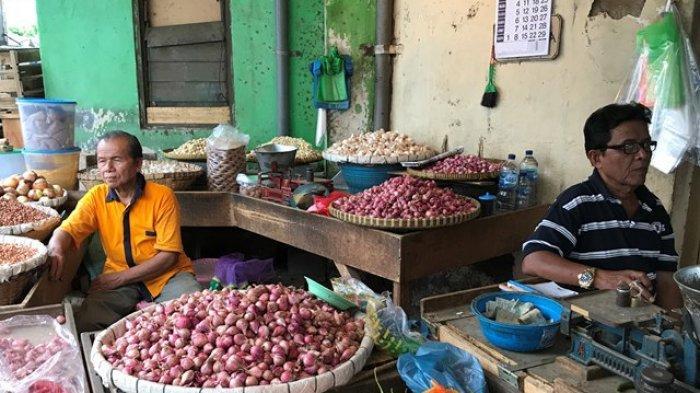 Pedagang Pasar di Semarang Mengeluh, Harga Cabai Belum Turun Sekarang Bawang Putih Juga Ikut Naik
