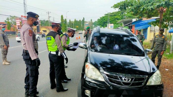 PPKM Level 4 di Pati, Petugas Gabungan Putar Balik 5 Kendaraan