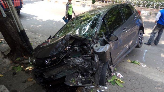 Kecelakaan di Semarang - Arif Lihat Mobil Honda Jazz Melaju Kencang, Serempet Pengendara Motor