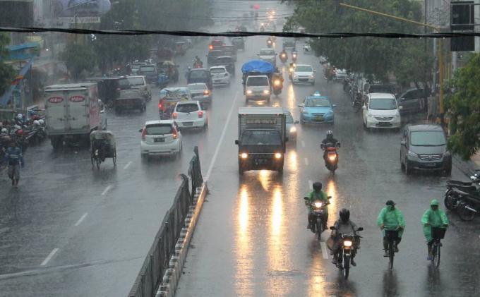 Prakiraan Cuaca Kendal Hari Ini Selasa 6 April 2021, Waspadai Hujan Siang hingga Malam Hari