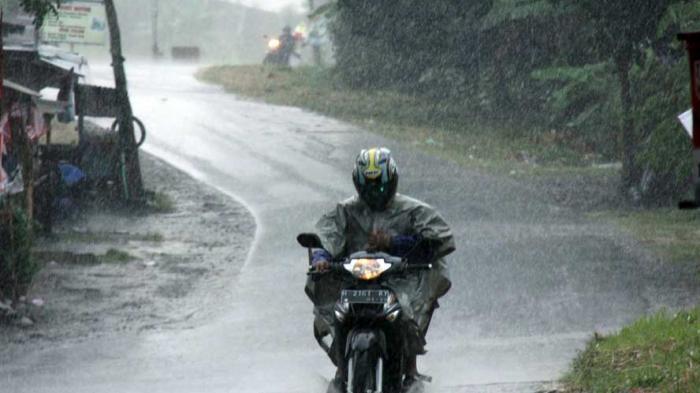 Prakiraan Cuaca Jawa Tengah, 3 Wilayah di Jateng Berpotensi Hujan Lebat Disertai Petir Malam Nanti