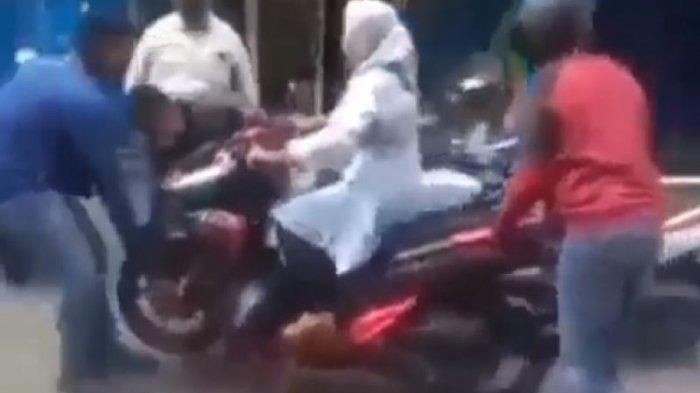 Viral Debt Collector Sita Motor Nasabah, Diangkut Beserta Nasabah Perempuan di Atas Motor