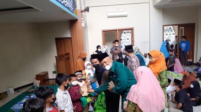IIKKU Unissula Semarang Peduli Yatim dan Duafa di Tuntang