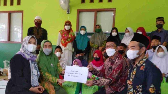 IKKU Unissula Semarang Peduli Yatim dan Pembangunan TPQ