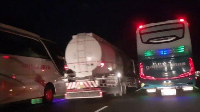 Inilah Isyarat dan Arti Khusus Lampu Sein Bus Malam, Penting Buat Kendaraan di Belakangnya