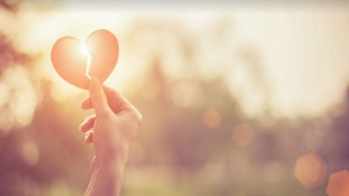 Apa Itu Empty Love? 4 Tanda Seseorang Benar-benar Jatuh Cinta