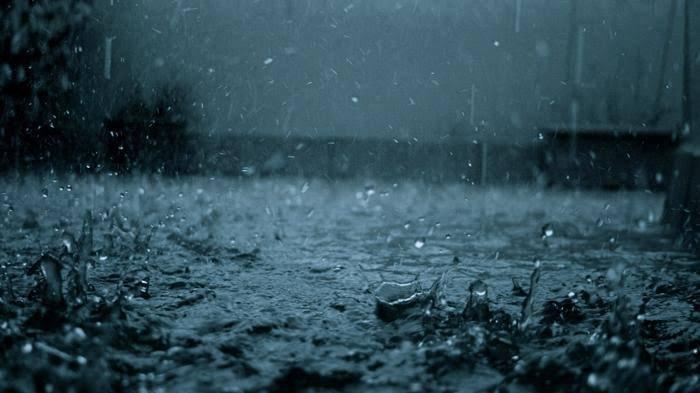 Ilustrasi hujan di malam hari