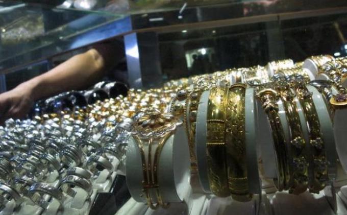 Penipu Kunci Pedagang Emas di Tempat Transaksi lalu Bawa Kabur Emas 300 Gram