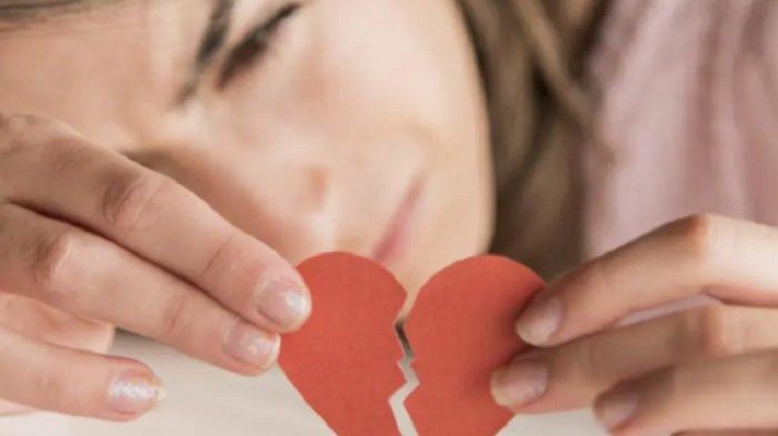 Pahami Tahapan Putus Cinta Agar Siap Move On Setelahnya