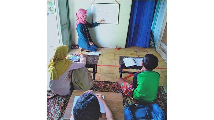 Siswa di Banyumas Keluhkan Belajar Online Matematika, Mahasiswa KKN Undip Hadir Beri Solusi