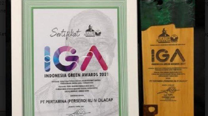 Indonesian Green Awards (IGA) 2021, Pertamina RU IV meraih kategori Rekayasa Teknologi Dalam Menghemat Energi / Penggunaan Energi Baru Terbarukan untuk program Desa Mandiri Energi Mandiri Tenaga Angin dan Surya (E-Mas Bayu) & Energi Mandiri Tambak Ikan (E-Mbak Mina).