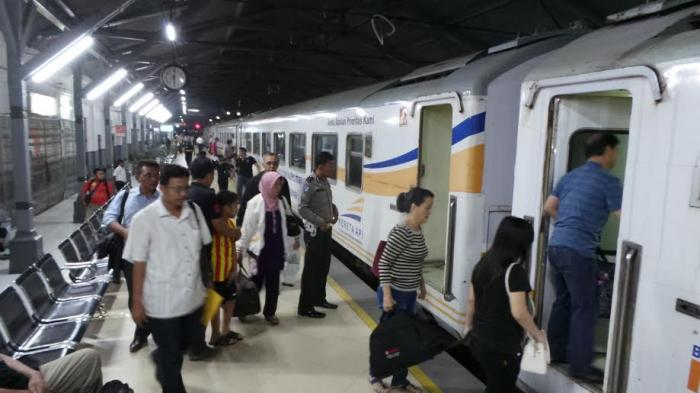 Belum Ada Pemudik Curi Start, Okupansi Gerbonh Kereta Api di Daop IV Semarang Belum Ada Peningkatan