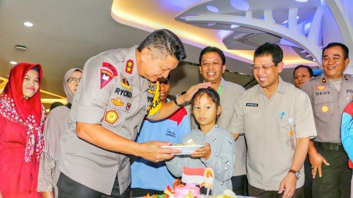 Kapolda Jateng Rayakan Hari Bhayangkara bersama Pasien RSUP Kariadi Semarang