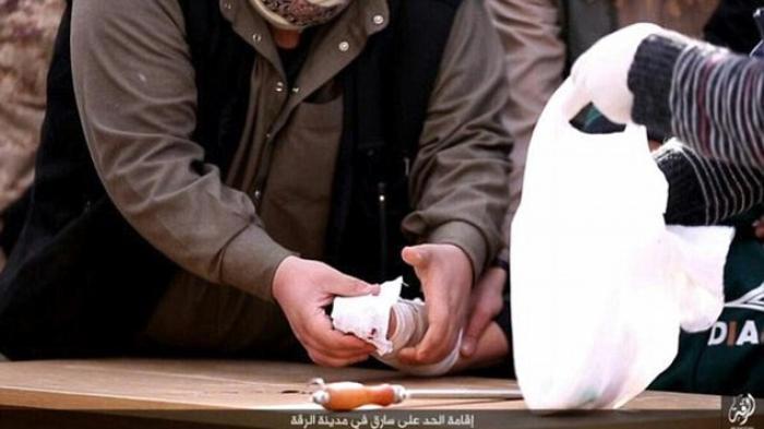 ISIS Merilis Foto-foto Sadis Potong Tangan Pencuri di Raqqa - isis-merilis-foto-foto-sadis-potong-tangan-pencuri_20160212_203849.jpg