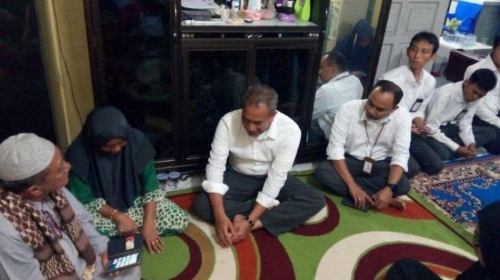 Kisah Pegawai PLN, Istri dan Bayinya Yang Jadi Penumpang Lion Air JT 610
