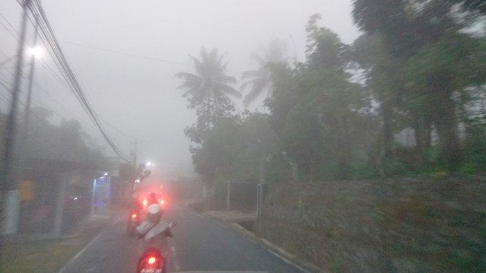Kasatlantas Polres Semarang AKP Adiel Aristo Imbau Nyalakan Lampu Jauh dan Hazard Pas Jalan Berkabut